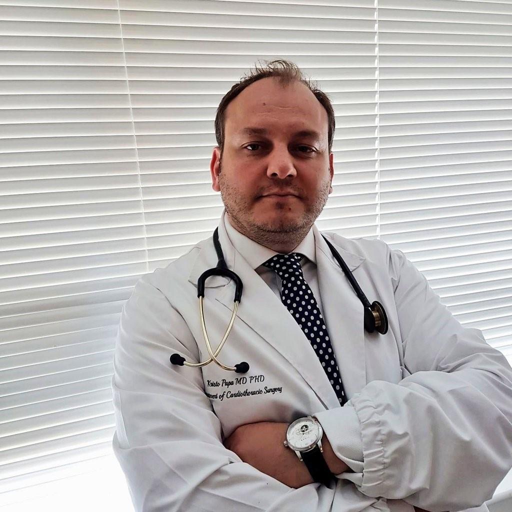 Dr. Kristo Papa